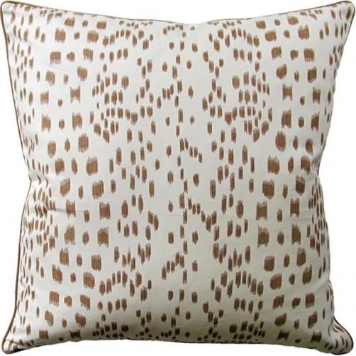 les touches tan pillow